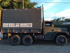 Ao invés de trailer, food truck usa caminhões de guerra- Divulgação