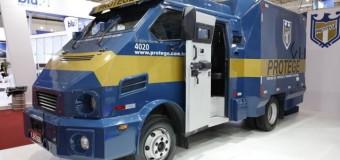 Rio sem entrega: para fugir dos roubos de carga, até carne é transportada em carro-forte