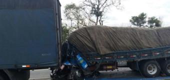 Imprudência de caminhoneiros aumenta número de mortes nas estradas de Minas