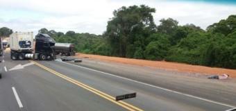 Caminhoneiro de Paranaguá sofre acidente na PR-151