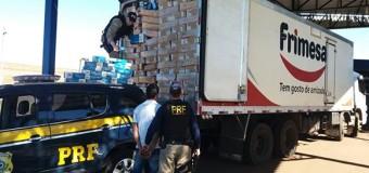 PRF encontra carga de cigarros escondida em caminhão