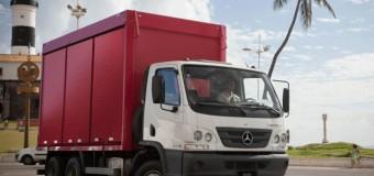 Mercedes-Benz lidera as vendas de caminhões médios no mês de outubro