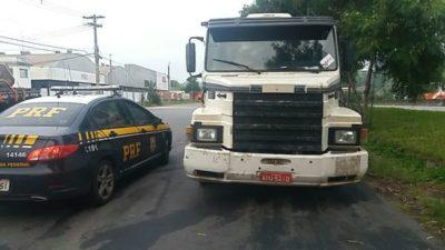 Barra-Mansa-e-Seropedica-Motoristas-de-caminhão-são-libertados-pela-PRF-400x225