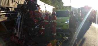 Engavetamento de caminhões deixa dois feridos na BR-277, diz PRF