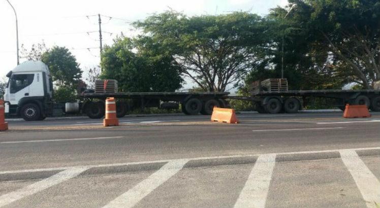 Os caminhoneiros foram encaminhados à Delegacia de Polícia Federal de Caruaru, também no Agreste