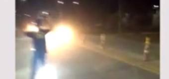 Vídeo: caminhoneiros montam esquema para furar blitz na BR 259