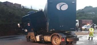 Acidentes fecham parcialmente rodovias mineiras na manhã desta terça-feira