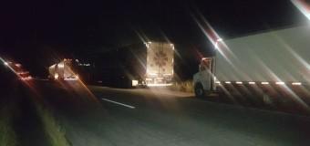 Caminhoneiros param para ajudar amigo e são assaltados em Bezerros