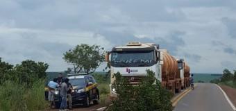Indígenas bloqueiam rodovias em MT e cobram pedágio de até R$ 100, diz PRF