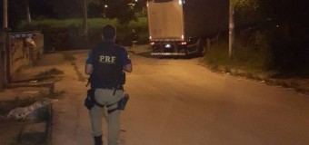 Após confronto, policiais recuperam dois caminhões que transportavam cargas em São Gonçalo