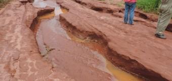 Após chuva, prefeita pede apoio de fazendeiros para recuperar estradas