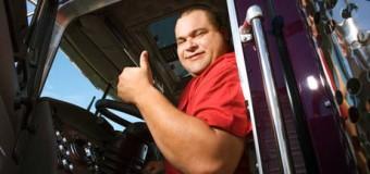 Quase metade dos caminhoneiros está endividado, revela CNT