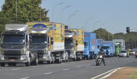 Caravana leva serviços e debate sobre violência contra mulher a caminhoneiros