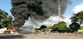 Caminhões-tanque pegam fogo dentro de empresa em Betim