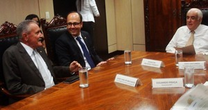 Senador pede urgência na viabilidade de trecho de rodovias a ministro