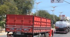 Fotossensor vai multar caminhões em ruas restritas de Fortaleza