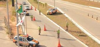 MG: Polícia multa 312 motoristas por não usarem farol baixo nas rodovias durante o dia