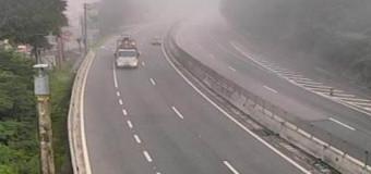 Registro de neblina na rodovia dos Tamoios, nesta segunda (3)
