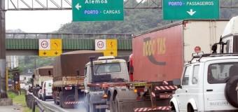 Caminhoneiros são alvo de campanha para prevenir acidentes