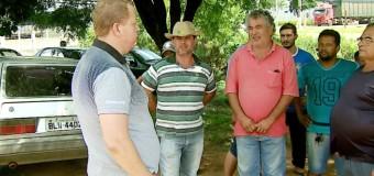 Mais de 200 caminhoneiros exigem indenização após espera de mais de 48h para descarga de laranja em Matão, SP
