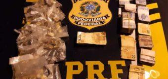 PRF recupera veículo e dinheiro roubado de drogaria