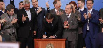 Decreto de Bolsonaro facilita porte de arma para mais categorias