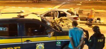 Após perseguição, PRF apreende carro 'recheado' com mais de 500 tabletes de maconha e haxixe na BR 116, em Vitória da Conquista (BA)