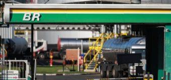 Presidente da Petrobras defende venda de refinarias e foco na exploração do petróleo