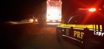 PRF evita roubo de carga e recupera carro roubado no Paraná