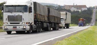 Governo prepara linha de crédito no BNDES para caminhoneiros