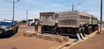 PRF apreende 630 kg de cocaína em caminhões de soja em Dourados (MS)