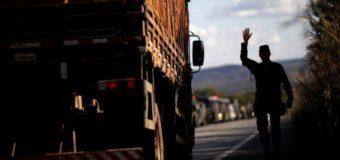 Para atender caminhoneiros, governo prepara linha de crédito mais barata